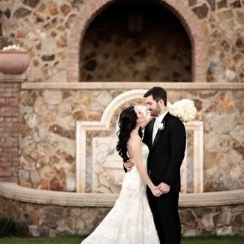 Featured - Bella Collina, Vangie's Events of Distinction, Blossoms Arrangements of Distinction, Orlando wedding, Tuscan wedding ideas, white floral bridal bouquet