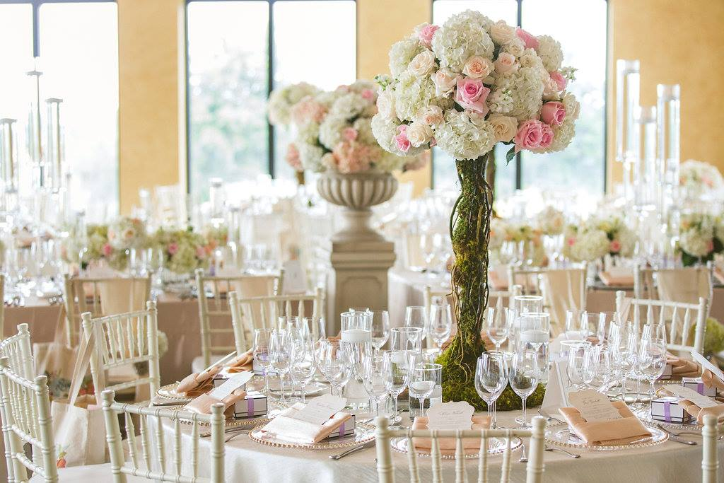Bella Collina: Luxe Wedding Experience