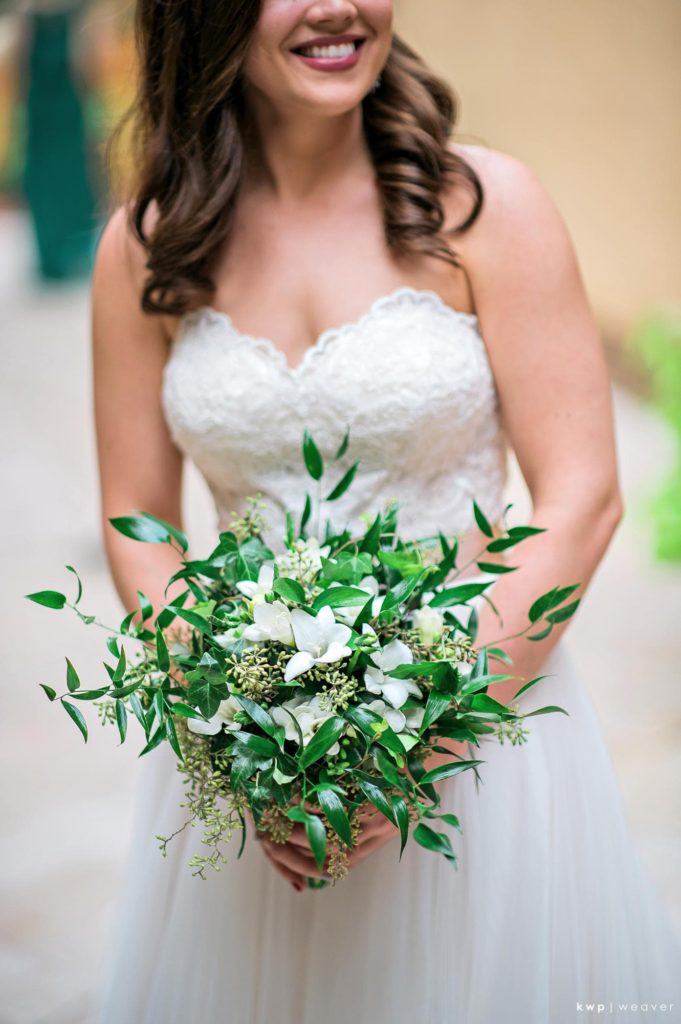 Green and WHite Wedding, Loose Bridal Bouquet-min