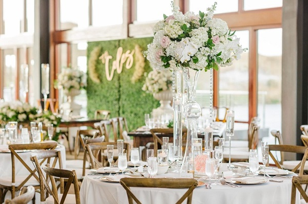 Streamsong wedding-Vangie Events-Blossoms Arrangement of Distinction